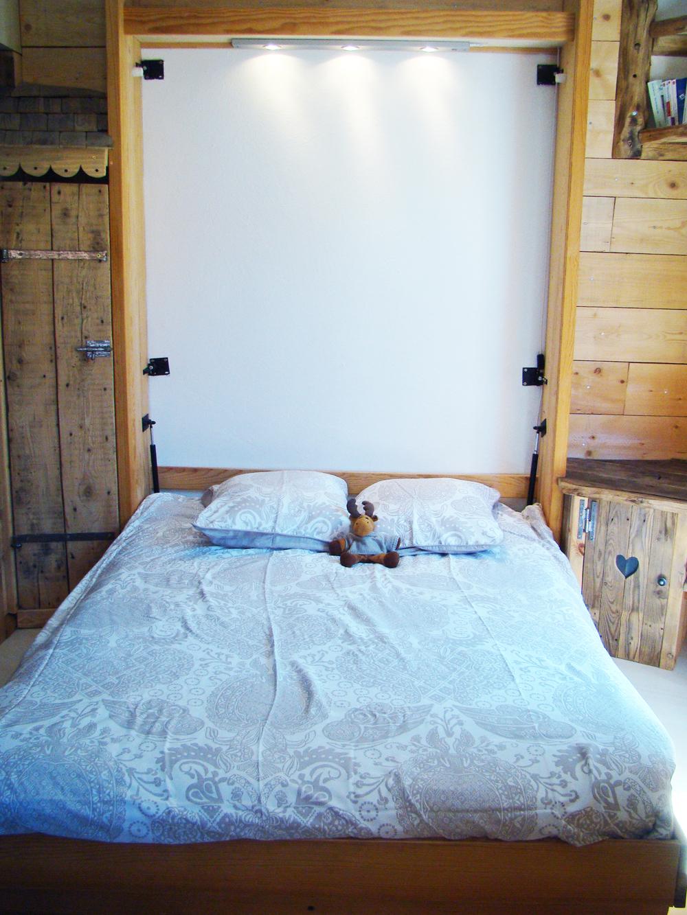le studio location d 39 appartement val d 39 is re. Black Bedroom Furniture Sets. Home Design Ideas